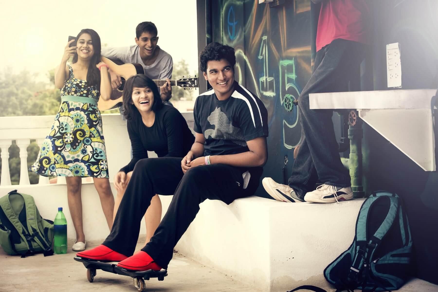 Les chaussures connectées Lechal, de la firme indienne Ducere, permettent de s'orienter dans la rue sans consulter son smartphone. (Image © Ducere)
