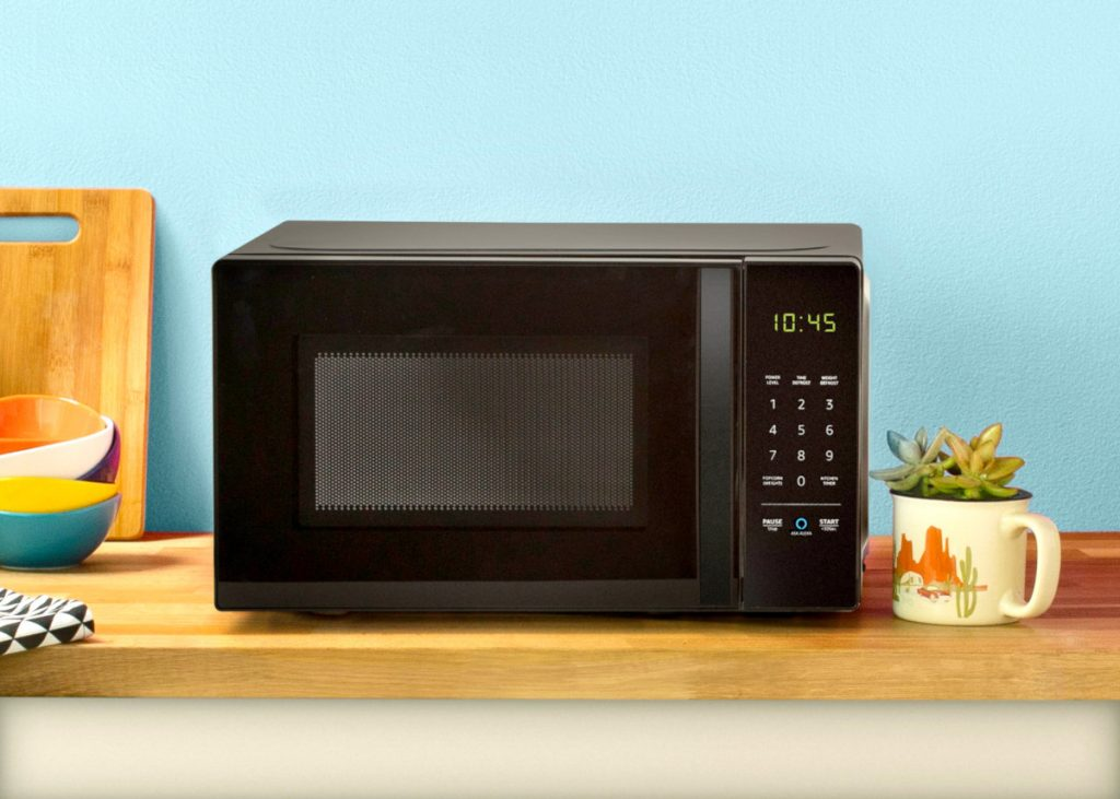 Amazon's Alexa microwave is powered by a Bluetooth and Wi-Fi low-energy module that brings smart features to standard home appliances by letting them communicate with cloud-based instructions. (Image © Amazon)