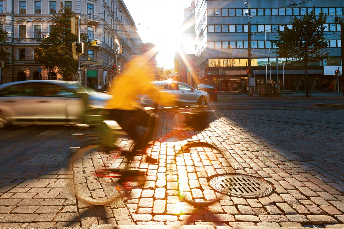 In Helsinki, pedestrians, motorists, train users and bicyclists can plan their journeys in all types of conditions via the Whim application. (Image © Marco Piunti / Getty Images)