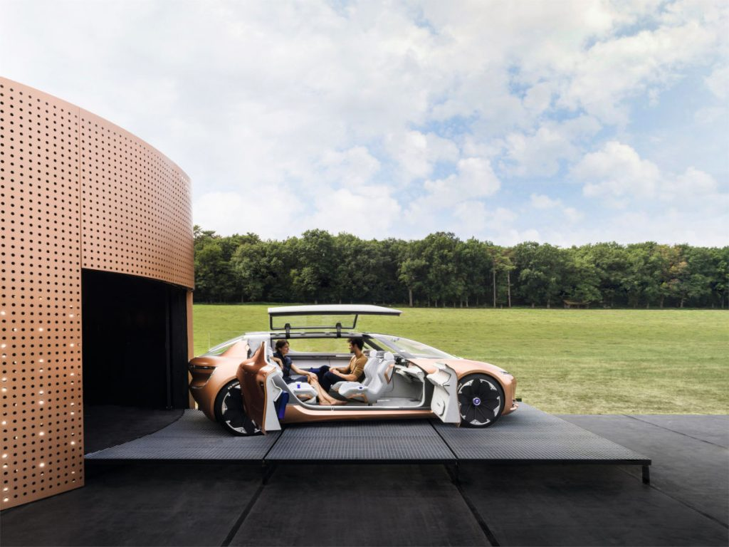 The Renault Symbioz concept car, designed with buyers' lifestyles in mind, was conceived as an extension of the home that could serve as either an indoor or outdoor room. (Image © Renault)