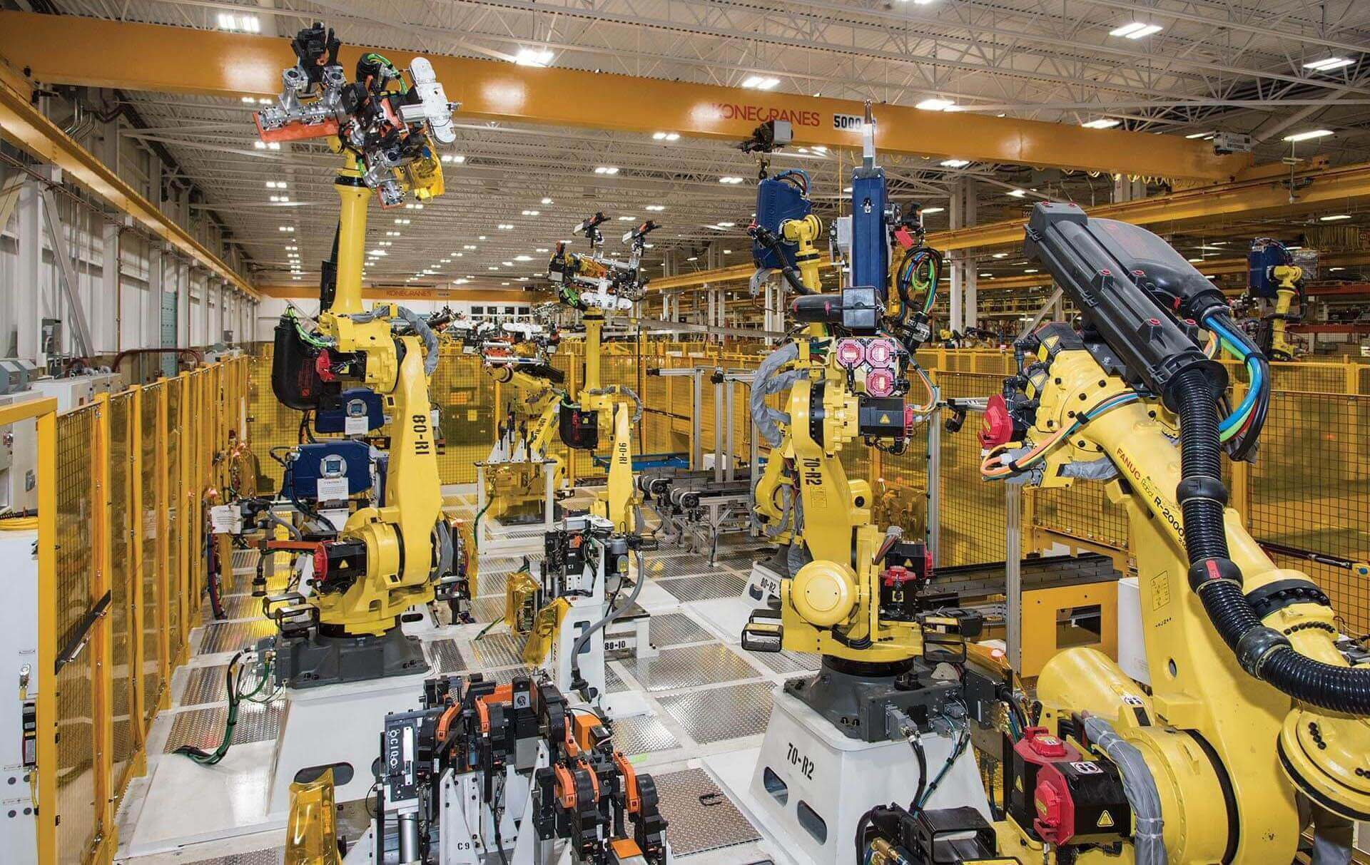Image: CenterLine (Windsor) Limited, a Canadian industrial automation process andtechnology company, uses the virtual twin of the assembly lines it builds for itscustomers to verify robot movements and optimize its use of shop floor space, materialflow and ergonomic safety. (Image © CenterLine (Windsor) Limited)