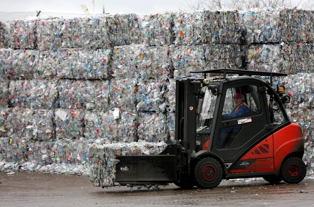 Veolia, a French transnational specialist in waste, water and energy management, is applying AI and packaging design collaboration services to help manufacturers achieve the UN SDGs faster.  (Image © Bernd Wüstneck/picture alliance via Getty Images)