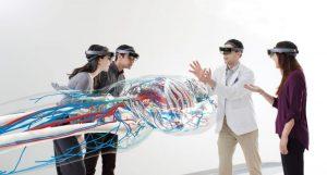 米ケース・ウエスタン・リザーブ大学が開発したHoloAnatomyのグループ・ラーニング・エクスペリエンス (Image © Microsoft)